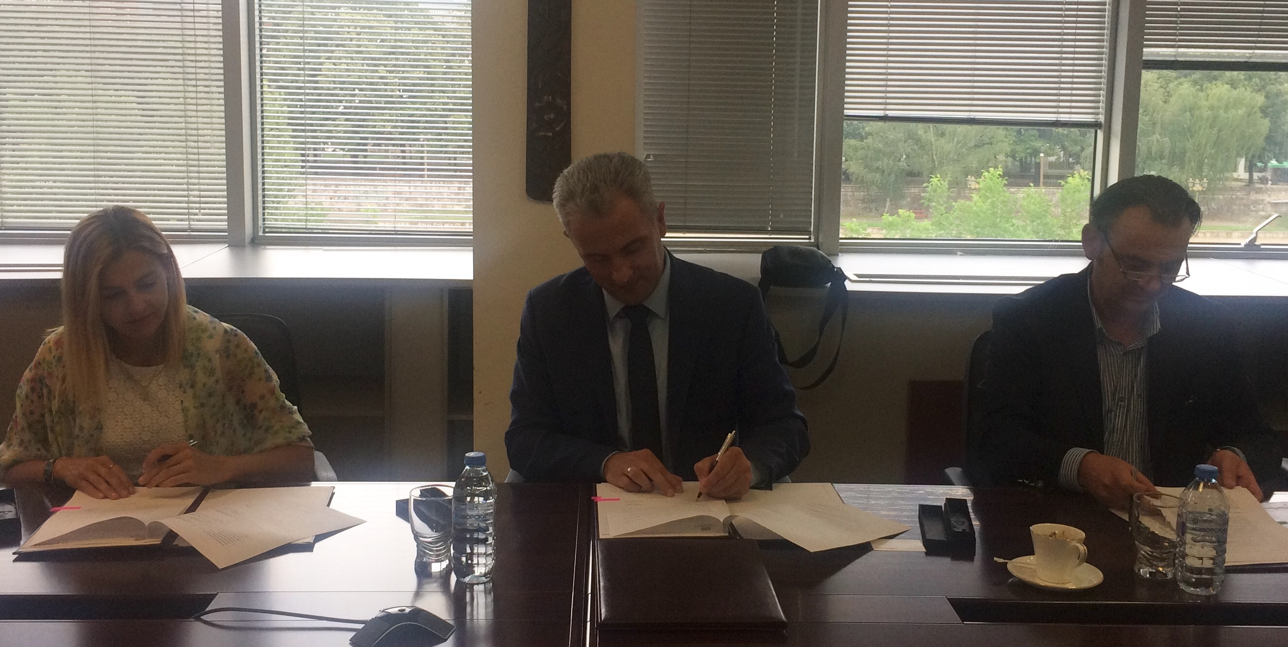 SIGNED MEMORANDA OF COOPERATION WITH THE E-COMMERCE